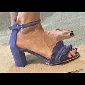 Kenneth Cole ruffled periwinkle blue suede sandal